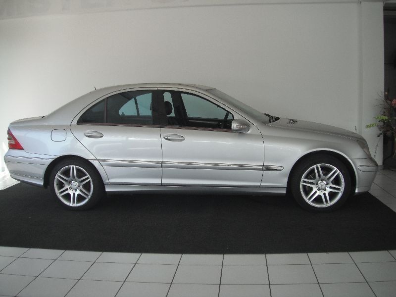 Used mercedes benz c class c320 elegance a t for sale in for Mercedes benz c320