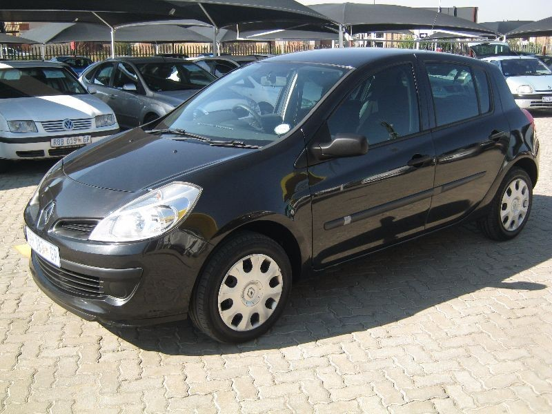 used renault clio iii 1 4 expression 5dr for sale in gauteng id 1504010. Black Bedroom Furniture Sets. Home Design Ideas