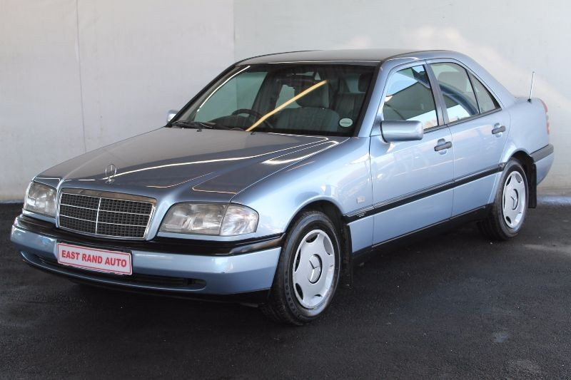 Used mercedes benz c class c220 classic for sale in for 1996 mercedes benz c class