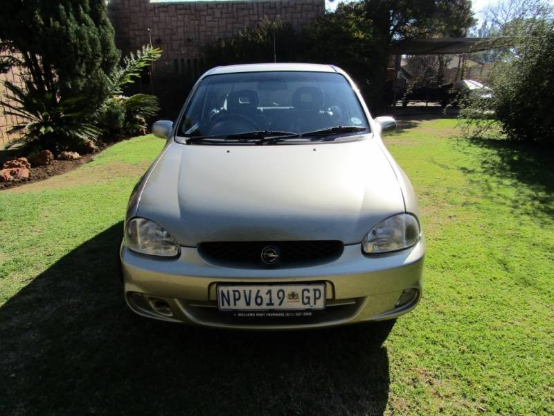used opel corsa 1 6 gsi a c p s c d for sale in gauteng. Black Bedroom Furniture Sets. Home Design Ideas