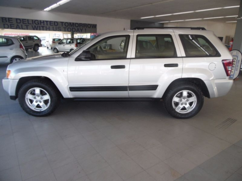 used jeep grand cherokee 4 7 v8 laredo for sale in western cape id 1517528. Black Bedroom Furniture Sets. Home Design Ideas