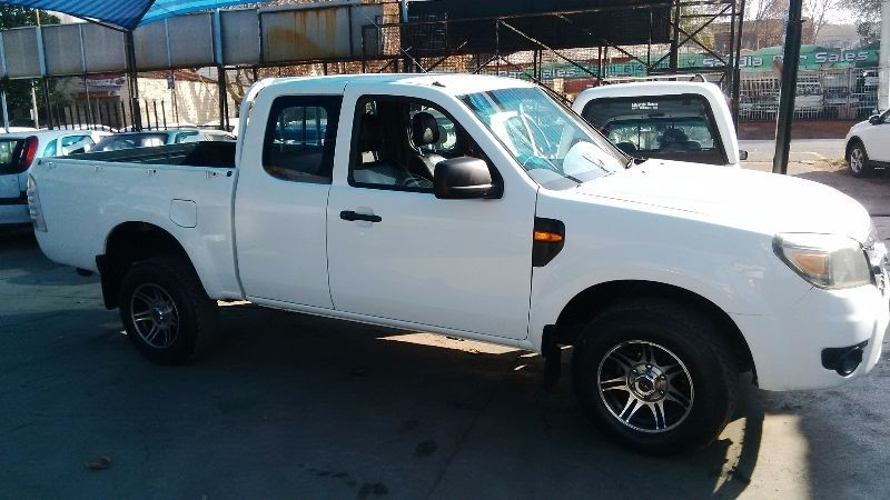 used ford ranger 2011 model 2 5td extra cab diesel for. Black Bedroom Furniture Sets. Home Design Ideas