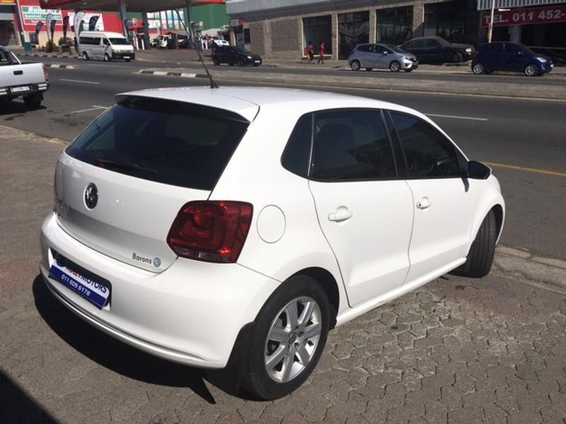 used volkswagen polo 1 4 comfortline 5dr for sale in gauteng id 1521143. Black Bedroom Furniture Sets. Home Design Ideas