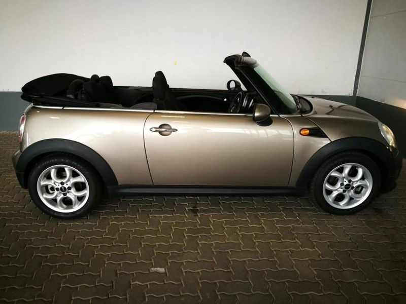 used mini cooper convertible for sale in gauteng id 1529091. Black Bedroom Furniture Sets. Home Design Ideas
