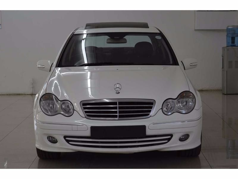 Used mercedes benz c class c200 auto for sale in gauteng for 2006 mercedes benz r class for sale