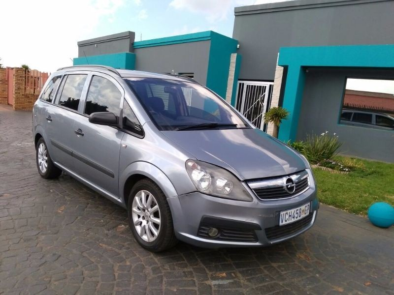 used opel zafira 1 6 essentia for sale in gauteng id 1544211. Black Bedroom Furniture Sets. Home Design Ideas