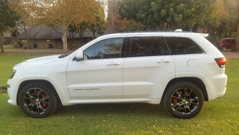 used jeep grand cherokee 6 4 srt for sale in gauteng id 1548305. Black Bedroom Furniture Sets. Home Design Ideas