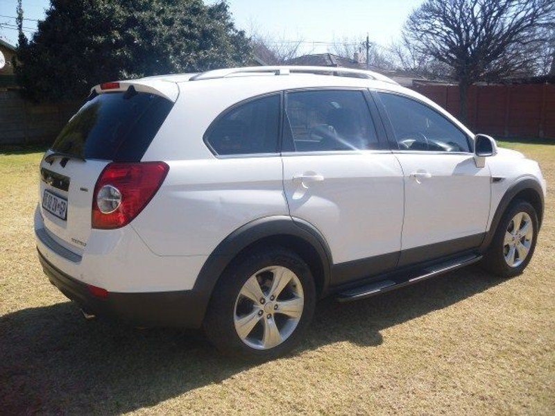 used chevrolet captiva 2 4 lt 4x4 for sale in gauteng. Black Bedroom Furniture Sets. Home Design Ideas