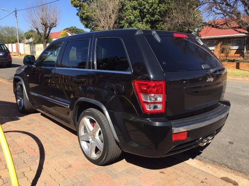 used jeep grand cherokee srt8 for sale in gauteng id 1551578. Black Bedroom Furniture Sets. Home Design Ideas