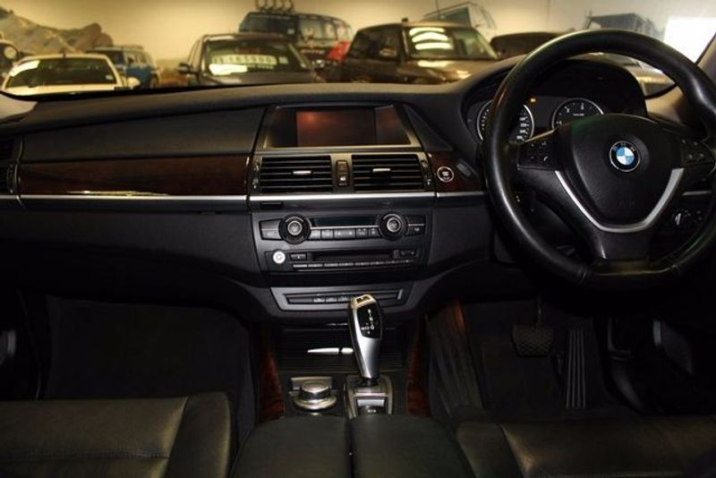 used bmw x5 innovation a t e70 for sale in western cape id 1557525. Black Bedroom Furniture Sets. Home Design Ideas
