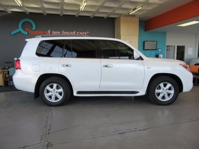 used lexus lx 570 for sale in gauteng id 1559330. Black Bedroom Furniture Sets. Home Design Ideas