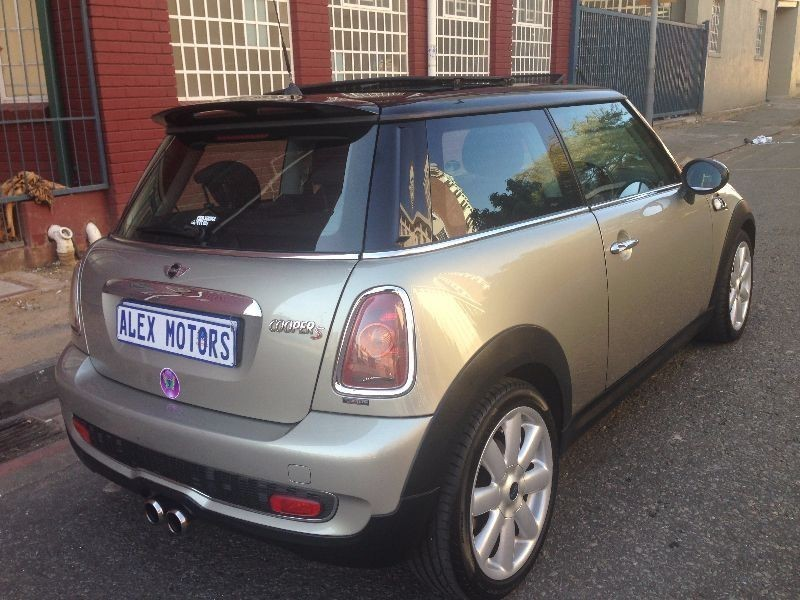 used mini cooper s clubman for sale in gauteng id 1561804. Black Bedroom Furniture Sets. Home Design Ideas