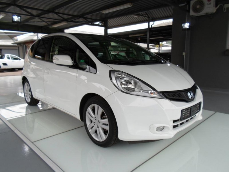 used honda jazz 1 5 executive for sale in gauteng id 1561903. Black Bedroom Furniture Sets. Home Design Ideas