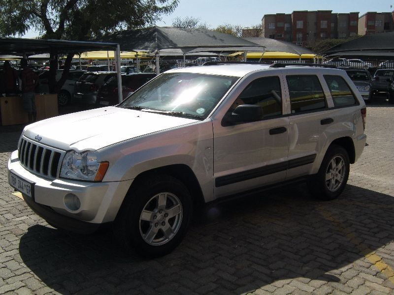 used jeep grand cherokee laredo 4 7 v8 for sale in gauteng. Black Bedroom Furniture Sets. Home Design Ideas