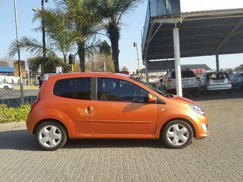 used renault twingo 1 2 dynamique for sale in gauteng id 1570379. Black Bedroom Furniture Sets. Home Design Ideas