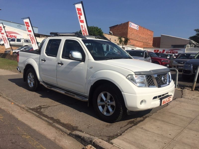 used nissan navara 4 0 v6 4x2 auto for sale in kwazulu natal id 1579424. Black Bedroom Furniture Sets. Home Design Ideas