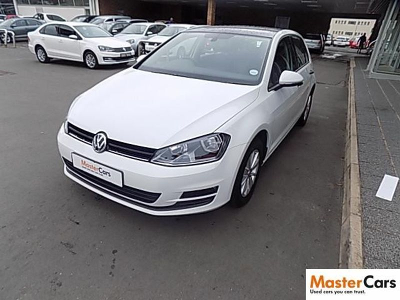 used volkswagen golf vii 1 2 tsi trendline for sale in kwazulu natal id 1581409. Black Bedroom Furniture Sets. Home Design Ideas