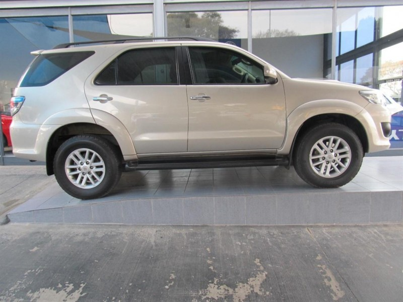 Used Toyota Fortuner 2 5d 4d Rb For Sale In Gauteng Cars Co Za Id 1582041