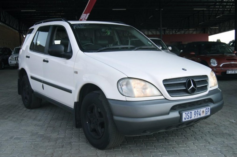 Used mercedes benz m class ml320 a t for sale in north for 1999 mercedes benz m class ml320