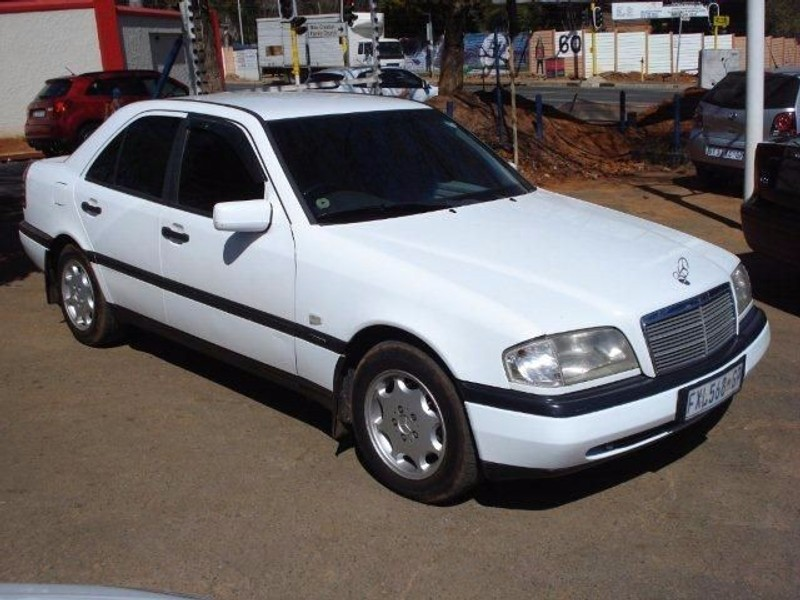 Used mercedes benz c class c220 classic for sale in for 1995 mercedes benz c220