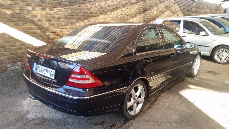 Used mercedes benz c class c320 automatic for sale in for 2004 mercedes benz c320