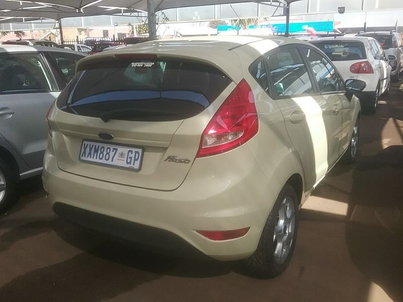 used ford fiesta 1 6 trend for sale in gauteng id 1595800. Black Bedroom Furniture Sets. Home Design Ideas