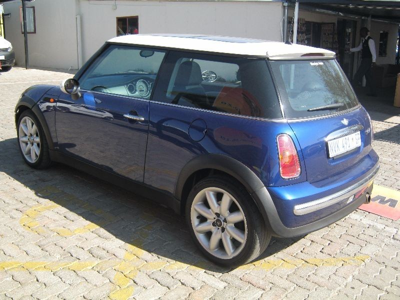 used mini cooper for sale in gauteng id 1601448. Black Bedroom Furniture Sets. Home Design Ideas