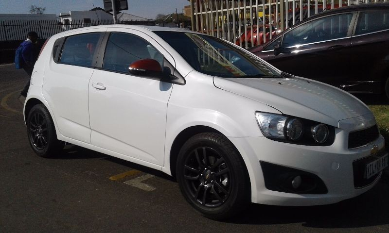 used chevrolet sonic 1 6 ls 5dr for sale in gauteng id 1605363. Black Bedroom Furniture Sets. Home Design Ideas