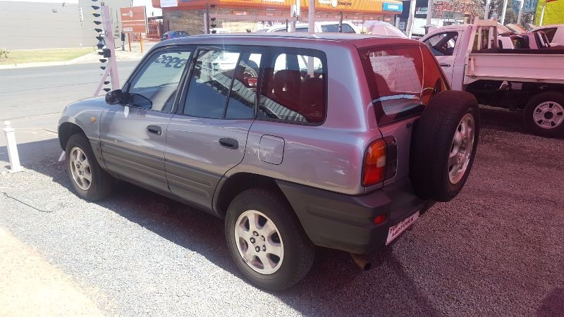 used toyota rav 4 rav4 5 door for sale in gauteng cars. Black Bedroom Furniture Sets. Home Design Ideas