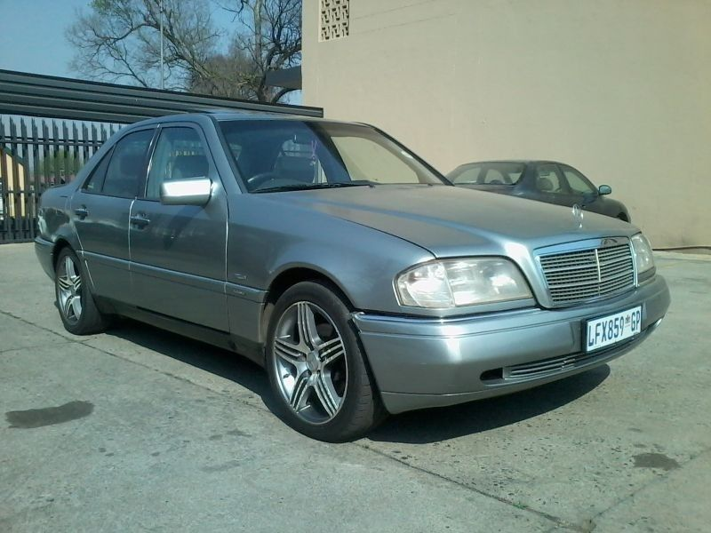 Used mercedes benz c class c220 elegance automatic for for 1995 mercedes benz c220