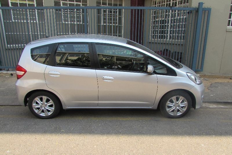 used honda jazz 1 5 executive for sale in gauteng id 1614853. Black Bedroom Furniture Sets. Home Design Ideas