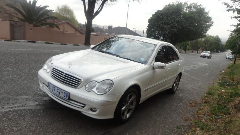Used mercedes benz c class c 200 kompressor automatic 2006 for Mercedes benz c class 2006 for sale
