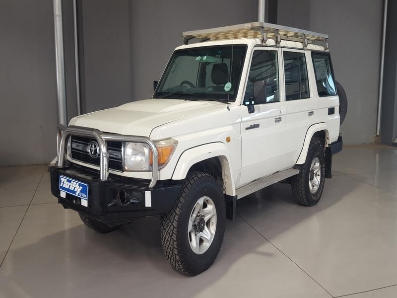 used toyota land cruiser 70 s w for sale in gauteng id 1621745. Black Bedroom Furniture Sets. Home Design Ideas