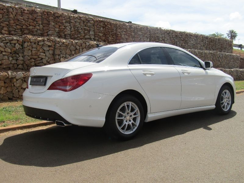 Used mercedes benz cla class cla 220 cdi demo vehicle with for Mercedes benz demo cars