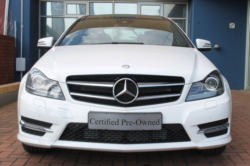 Used mercedes benz c class demo vehicle with low mileage for Mercedes benz demo cars