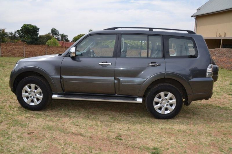 used mitsubishi pajero sport 3 2 di d gls a t for sale in gauteng id 1622819. Black Bedroom Furniture Sets. Home Design Ideas