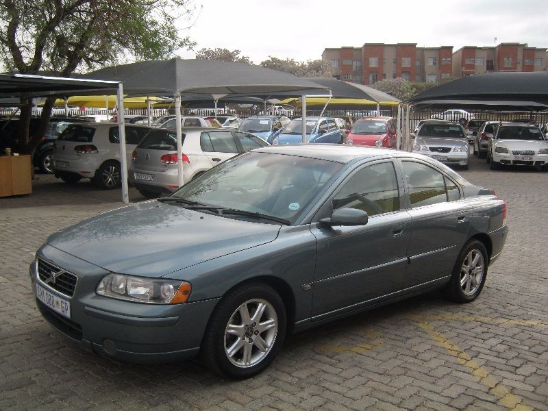 used volvo s60 for sale in gauteng id 1624759. Black Bedroom Furniture Sets. Home Design Ideas