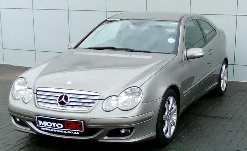 Used mercedes benz c class c230 v6 coupe a t for sale in for 2008 mercedes benz c230