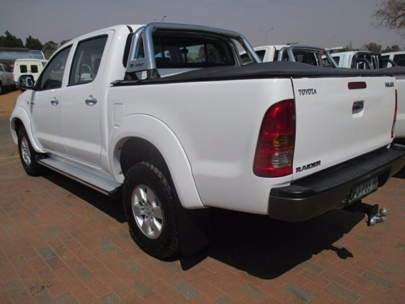 used toyota hilux raider p u d c for sale in north. Black Bedroom Furniture Sets. Home Design Ideas