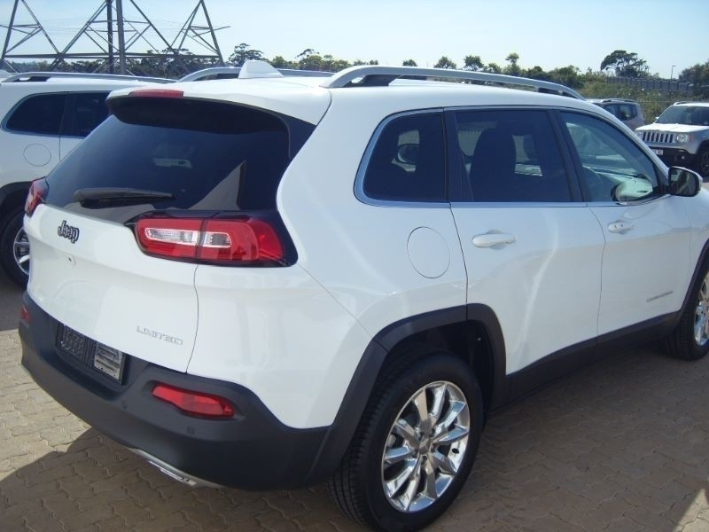 Used jeep cherokee 3 2 limited auto for sale in eastern for Easterns automotive group eastern motors