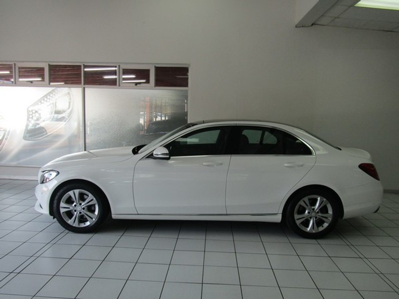 Used mercedes benz c class c200 avantgarde auto on demo for Mercedes benz demo cars