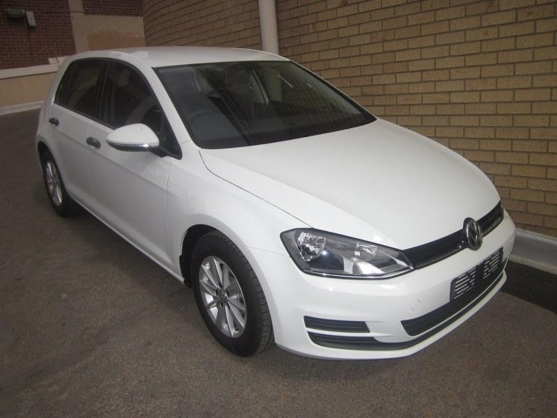 used volkswagen golf vii 1 4 tsi trendline for sale in gauteng id 1631295. Black Bedroom Furniture Sets. Home Design Ideas