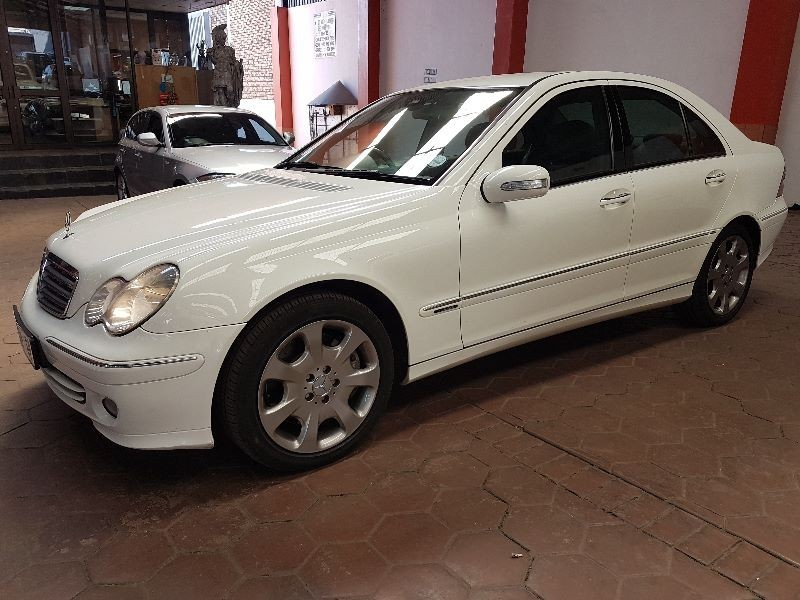 Used mercedes benz c class c 320 elegance a t for sale in for Mercedes benz c class 2006 for sale