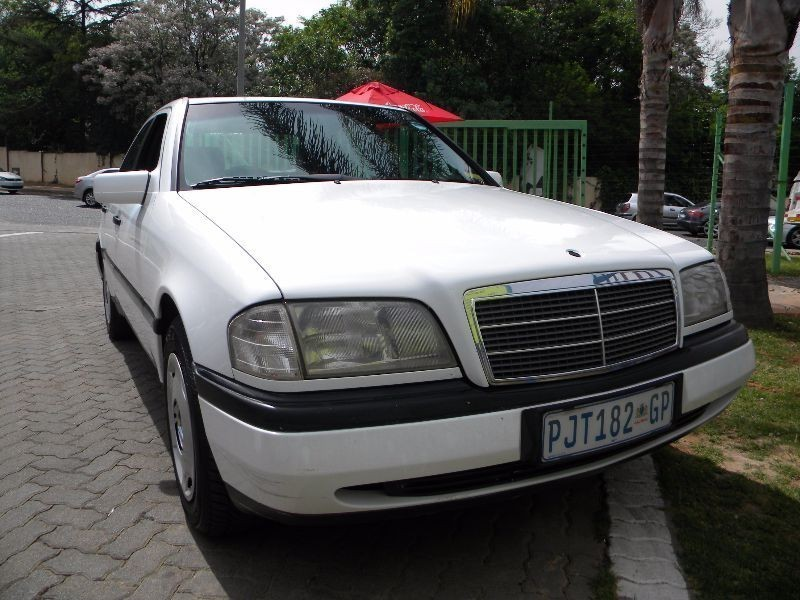 Bond street motors 1994 mercedes benz c class c220 for 1994 mercedes benz c220