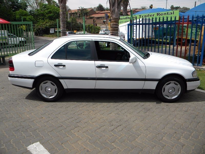 Used mercedes benz c class c220 classic a t for sale in for 1994 mercedes benz c220