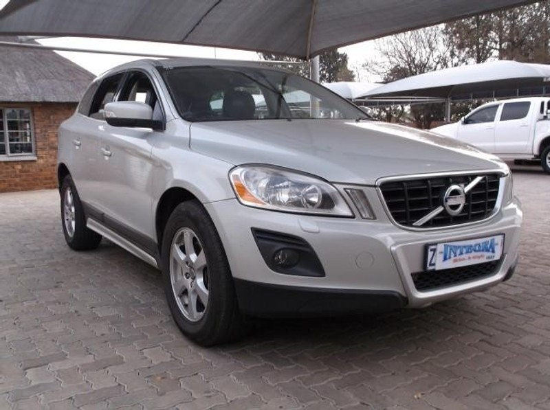 used volvo xc60 d5 geartronic for sale in gauteng id 1646172. Black Bedroom Furniture Sets. Home Design Ideas