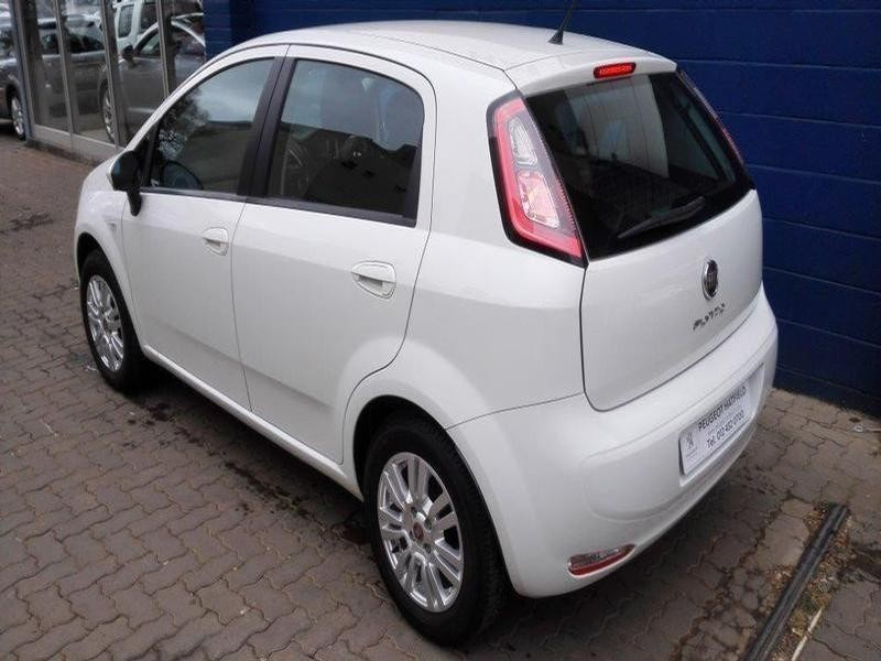 used fiat punto 1 4 easy 5dr for sale in gauteng id 1646886. Black Bedroom Furniture Sets. Home Design Ideas