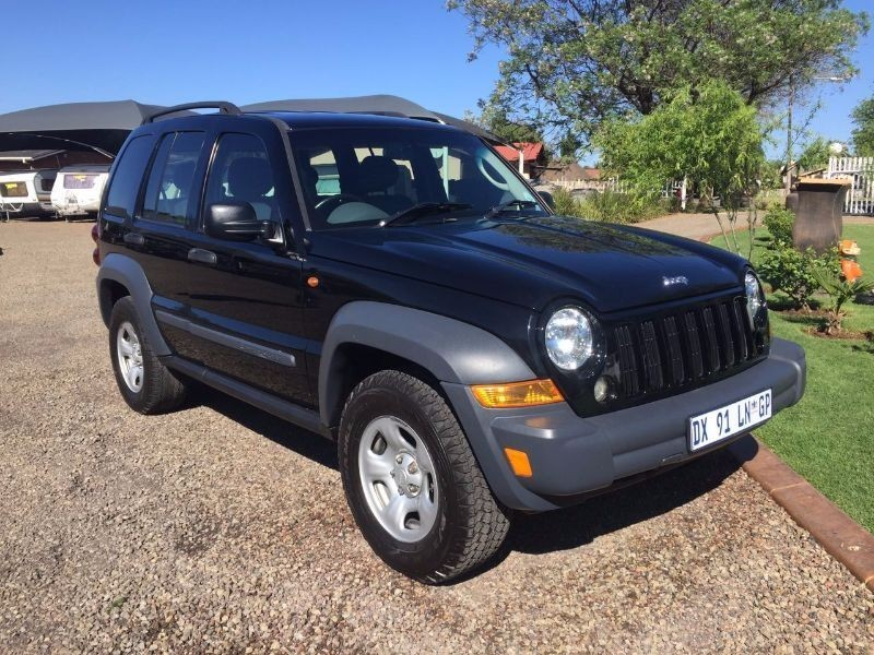 used jeep cherokee 2 8 crd sport a t for sale in gauteng id 1647063. Black Bedroom Furniture Sets. Home Design Ideas