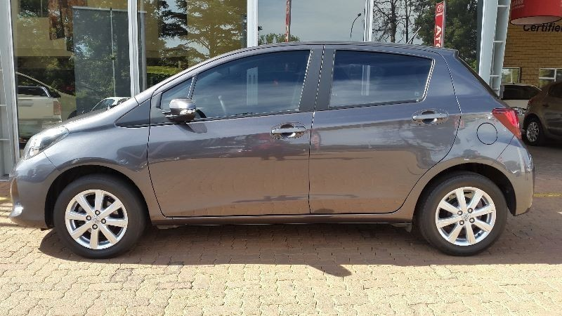 used toyota yaris t3 a c for sale in gauteng id 1665537. Black Bedroom Furniture Sets. Home Design Ideas