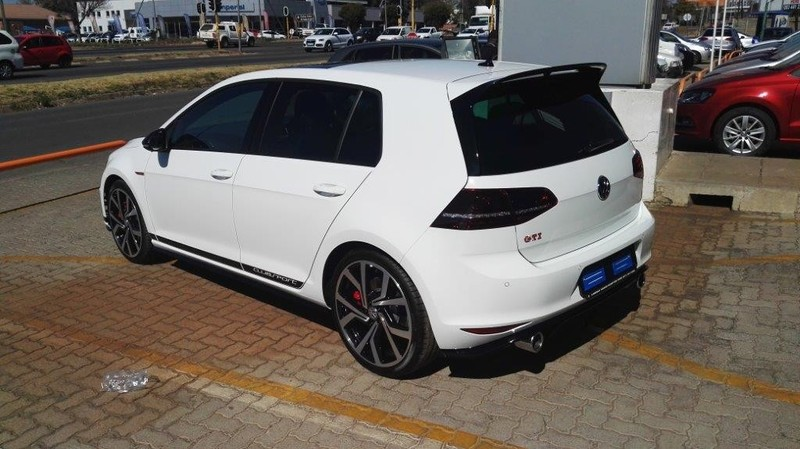used volkswagen golf vii gti 2 0 tsi dsg clubsport for